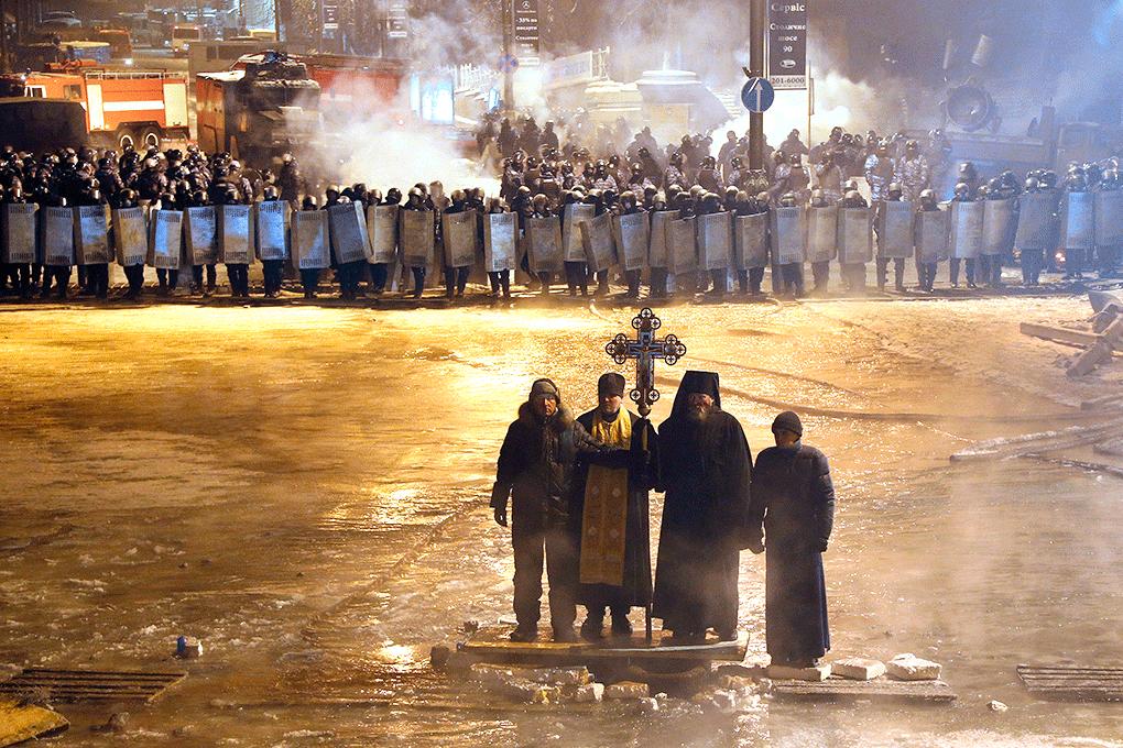 Ukrainian Orthodox Church of St. Anne, Toronto (Scarborough), Ontario: Київ: Євромайдан • Kyiv: Euromaidan